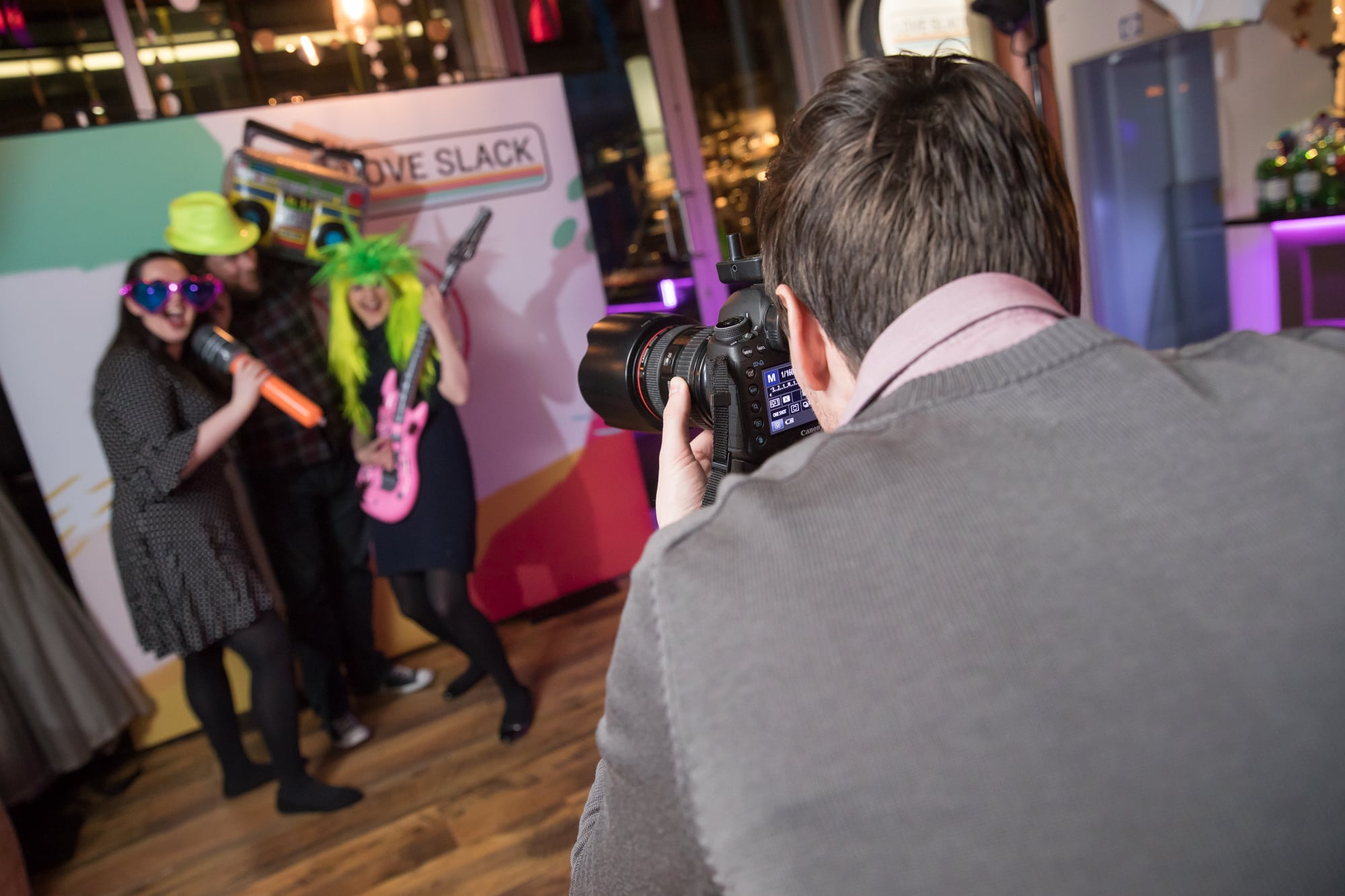 event photographer dublin photographing corporate party in the medley on fleet street